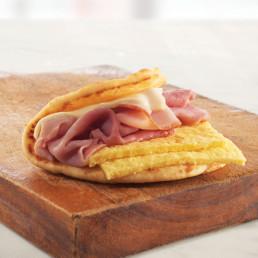 ham and eggs flatbread